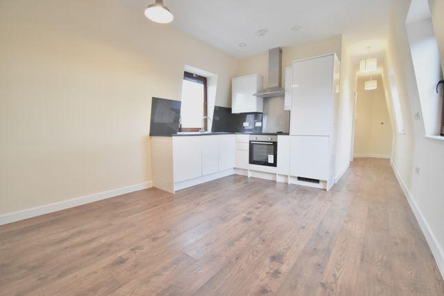 Flat to rent in Peckham High Street, Peckham