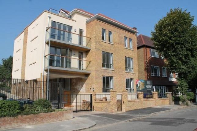 1 bed flat to rent in Hartington Road, Ealing, London.