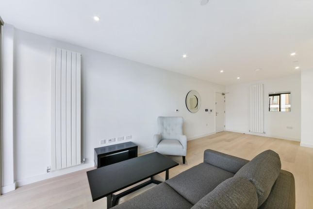 Thumbnail Flat to rent in Windlass House, Royal Wharf, London