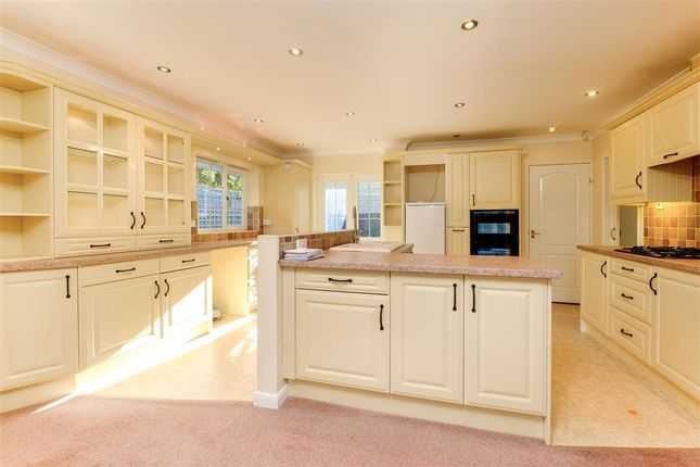 3 bed bungalow to rent in Rockingham Hills, Oundle, Peterborough PE8