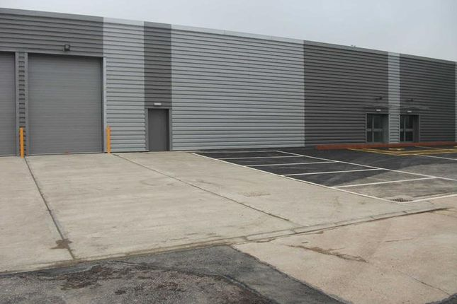 Thumbnail Warehouse to let in 31 Park Avenue Industrial Estate, Park Avenue, Sundon Park Road, Luton, Bedfordshire