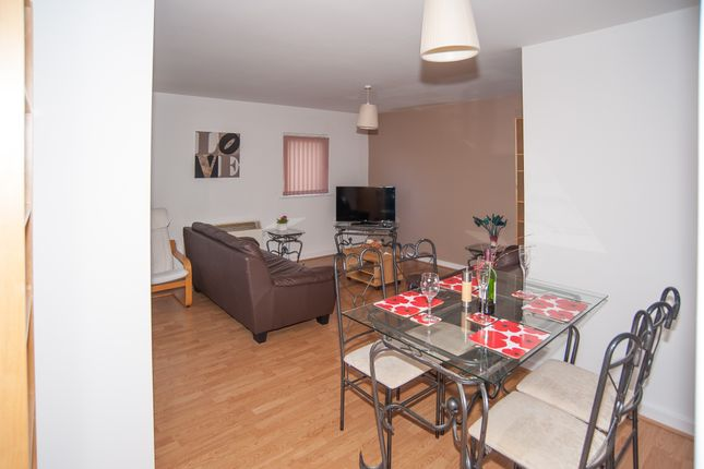 Dinning Area of Serviced Apartment 'short Term Let', CV Central Coventry, Serviced Apartment 'lowest Price Promise' CV1