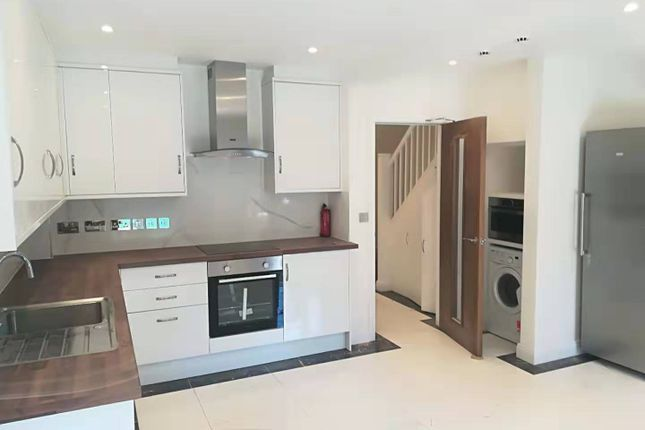 Thumbnail Town house to rent in Lancaster Drive, London