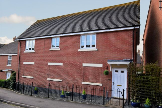 Thumbnail Flat for sale in The Sidings, Shipston-On-Stour