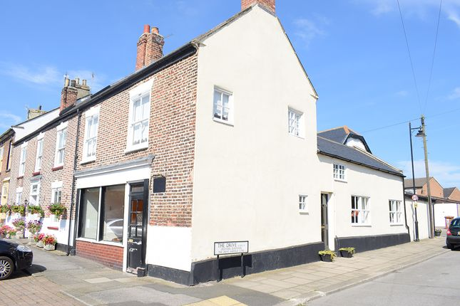 Thumbnail Cottage to rent in The Drive, Greatham, Hartlepool