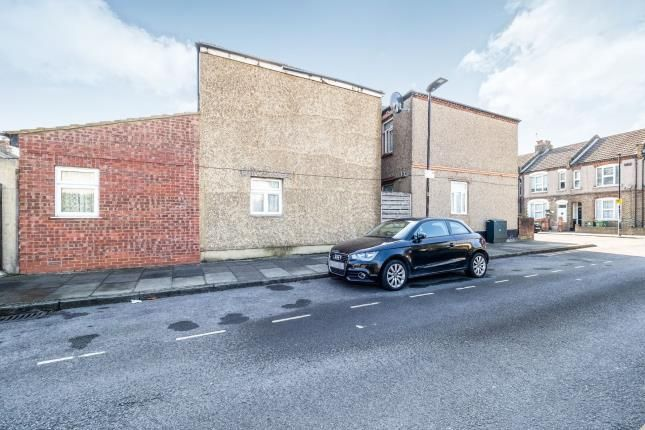 Thumbnail Maisonette for sale in North Woolwich, London, England