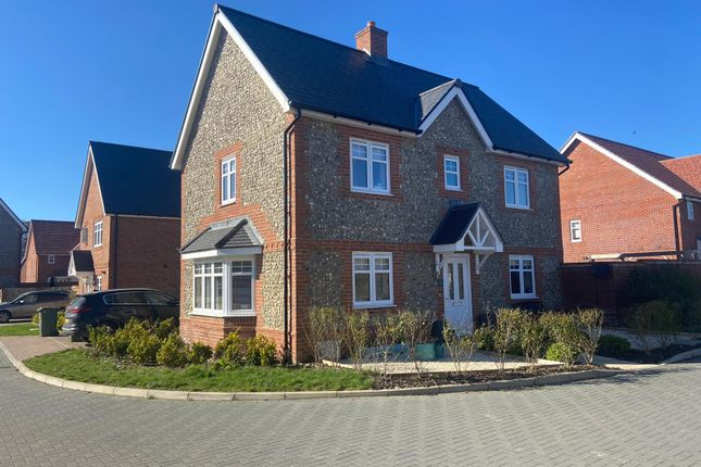 3 bed detached house for sale in Goldfinch Lane, Hellingly, Hailsham BN27