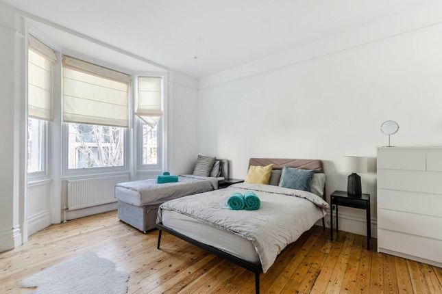 Thumbnail Flat to rent in Southampton Row, Bloomsbury, London
