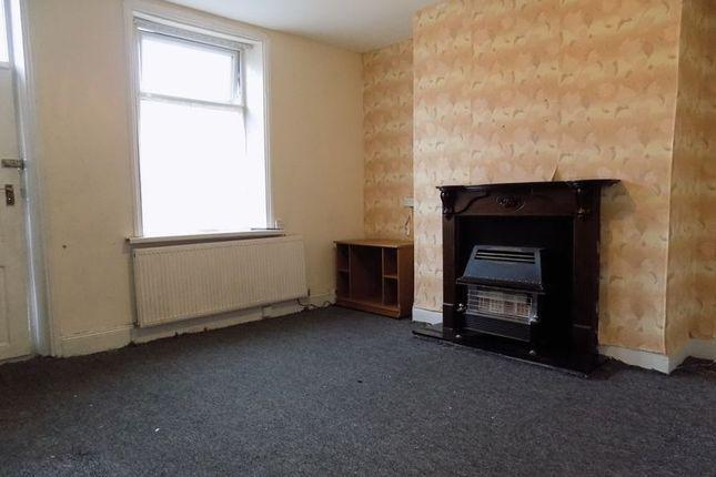 Lounge of St. Leonards Road, Bradford BD8