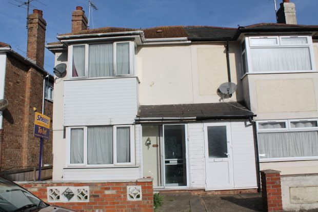 Thumbnail Property to rent in Warwick Road, Clacton-On-Sea