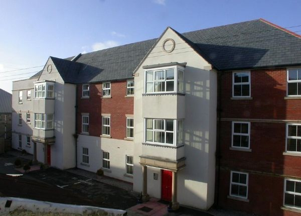Thumbnail Flat to rent in West Street, Axminster