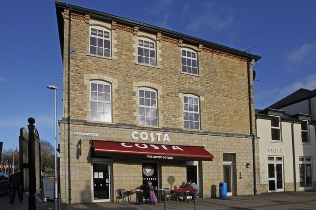 Thumbnail Flat for sale in Burgess Square, Brackley