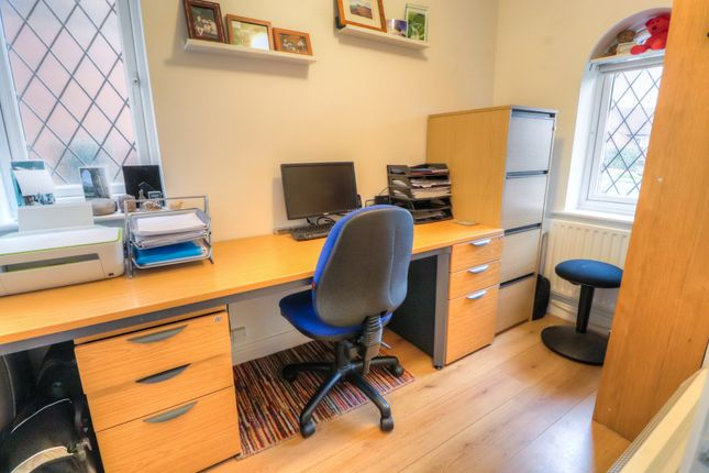 Office of Drummond Way, Macclesfield SK10