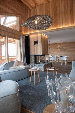 Thumbnail Apartment for sale in Les Rois Mages, Crans-Montana, Valais, Switzerland