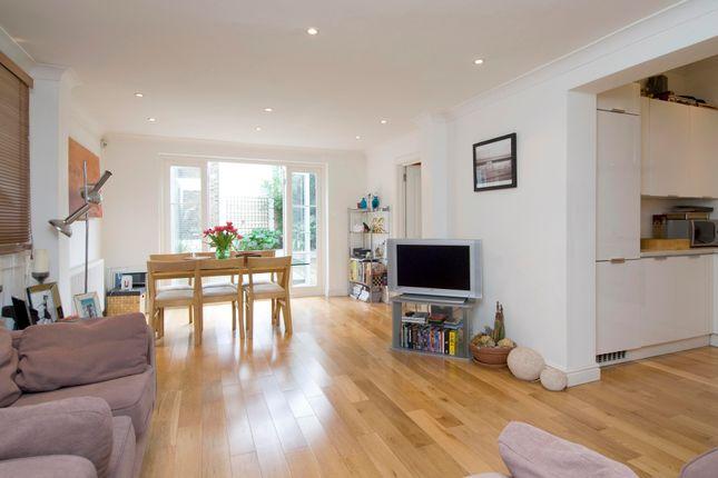 Thumbnail Flat to rent in Pembridge Villas, London
