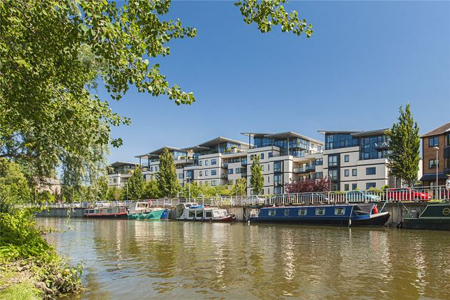 Flat for sale in Riverside Place, Cambridge