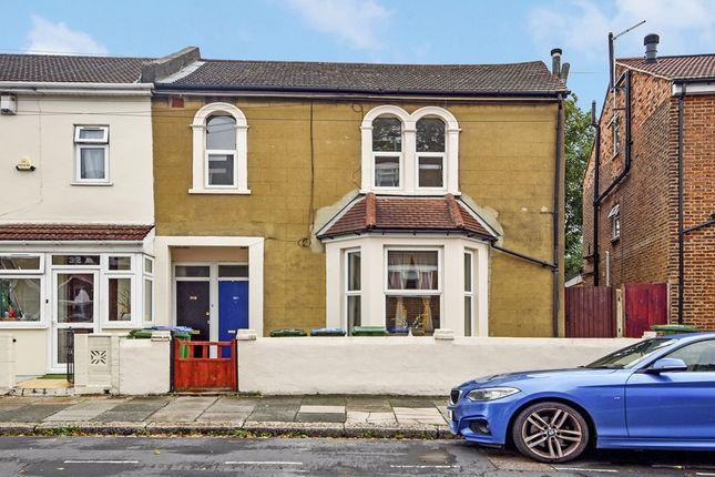 2 bed flat for sale in Elmdene Road, London SE18