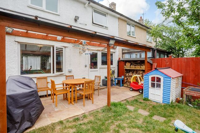 Holly Leys Stevenage Herts Sg2 3 Bedroom Terraced House