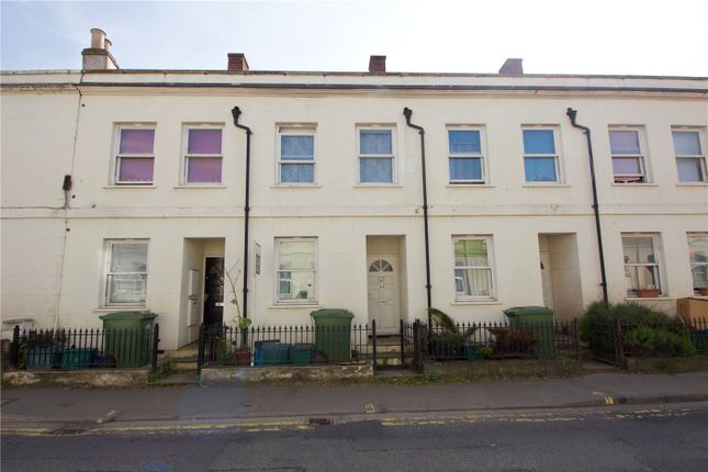 3 bed terraced house to rent in St Pauls Road, Cheltenham, Gloucestershire