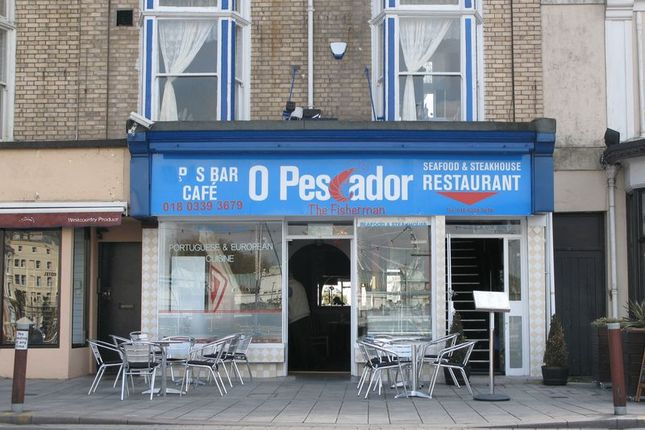 Restaurant/cafe for sale in Victoria Parade, Torquay