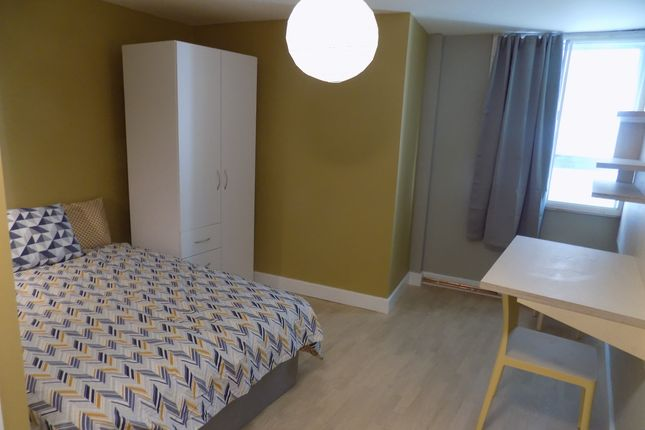 Thumbnail Flat to rent in Fitzalan Square, Sheffield