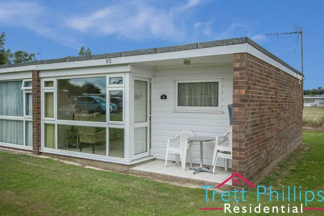 2 bed property for sale in Newport Road, Hemsby, Great Yarmouth