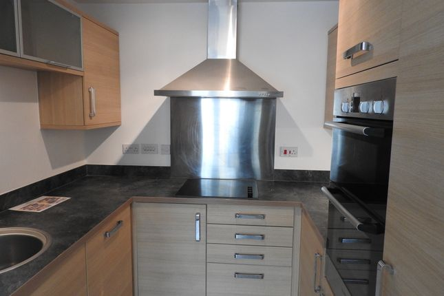 Thumbnail Flat to rent in Canal Road, Gravesend, Kent