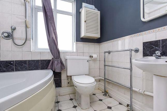 Bathroom of Longlands Road, Sidcup DA15