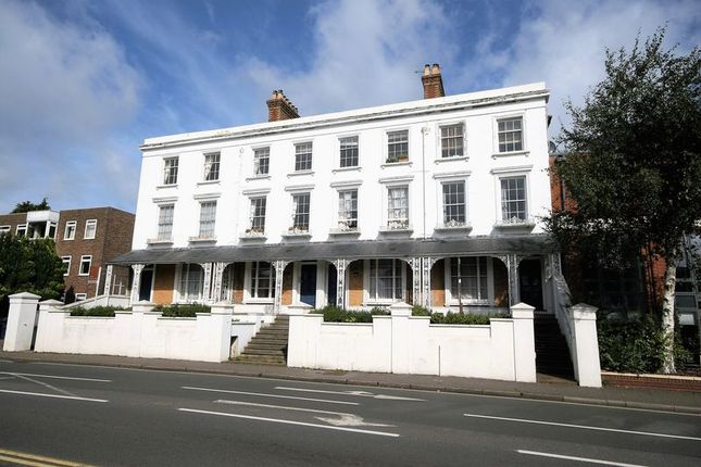 Thumbnail Flat for sale in East Street, Farnham