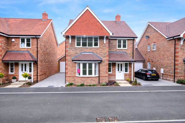 4 bed detached house for sale in Parkwood Hill, Greenhithe DA9