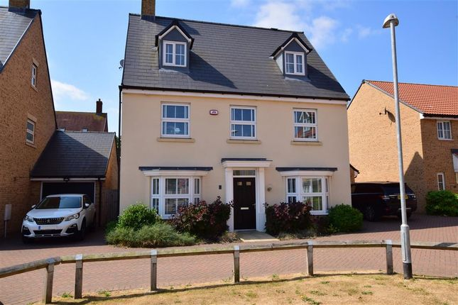 Thumbnail Detached house for sale in Claremont Crescent, Rayleigh, Essex
