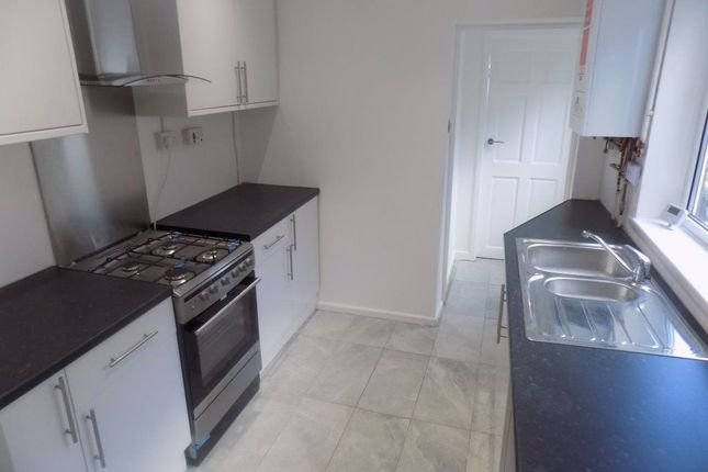 Thumbnail Property to rent in Neath Road, Plasmarl, Swansea