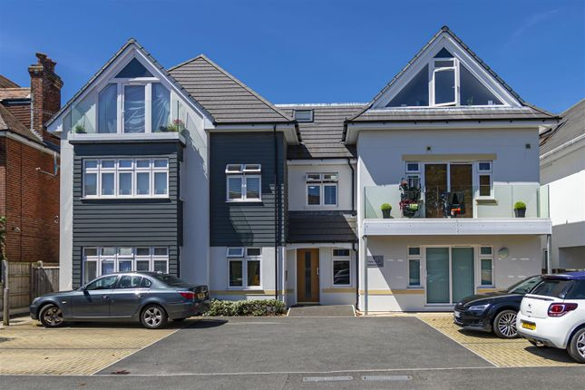 Thumbnail Flat for sale in Pinecliffe Avenue, Southbourne, Bournemouth
