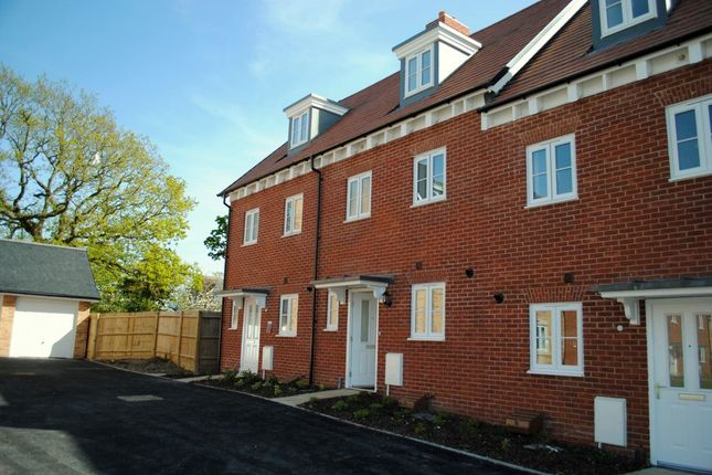 Thumbnail Property to rent in Highgrove Crescent, The Mill, Polegate