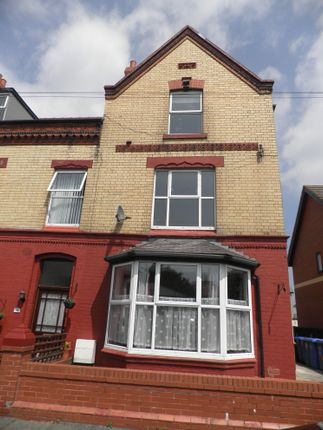 Thumbnail Flat to rent in Victoria Avenue, Rhyl