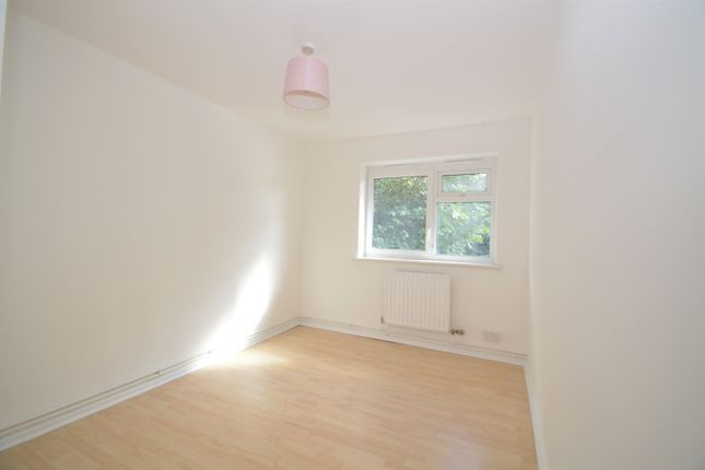 Thumbnail Flat to rent in Mottisfont Road, London