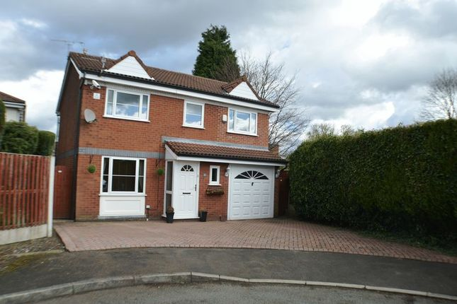 Thumbnail Detached house for sale in Dale Brook Avenue, Dukinfield