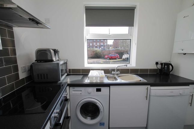 Thumbnail Room to rent in High Street, Higham Ferrers, Rushden