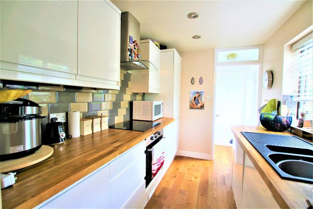 Thumbnail Semi-detached house to rent in Bridge Street, Colnbrook, Slough