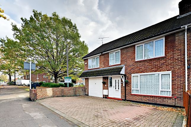Thumbnail Semi-detached house for sale in Yorktown Road, Sandhurst