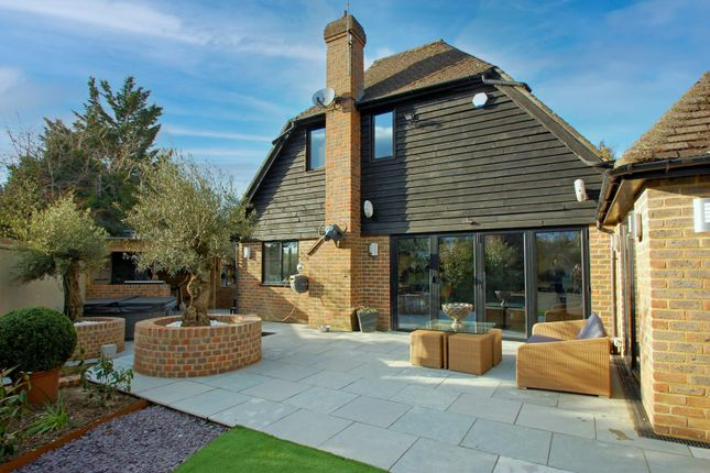 Thumbnail Property for sale in Vache Lane, Chalfont St. Giles