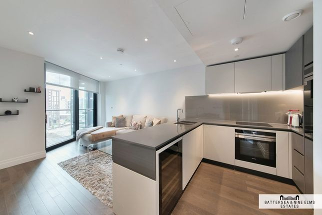 2 bed flat to rent in Riverlight Quay, London