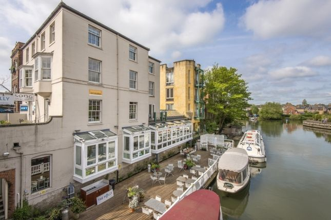2 bed flat to rent in Shirelake Close, Oxford OX1