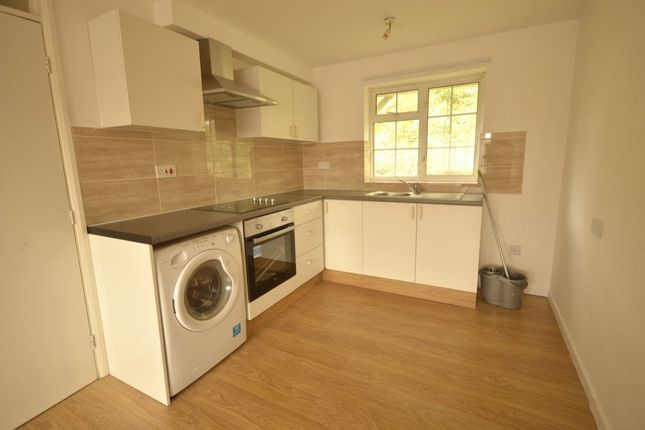 Thumbnail Flat to rent in Lemonfield Drive, Watford