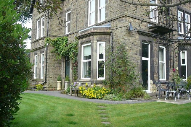 3 bedroom flat for sale in Palace Road, Buxton
