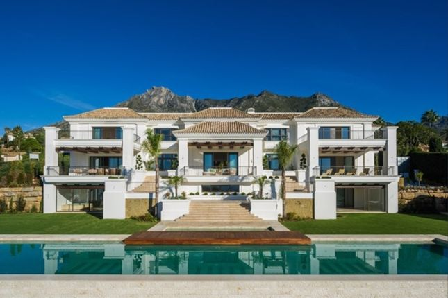 Thumbnail Villa for sale in Sierra Blanca, Golden Mile, Marbella, Málaga, Andalusia, Spain