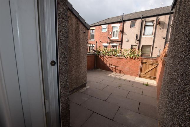 2 bed terraced house to rent in Heights Lane, Rochdale OL12