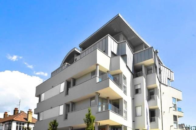 Thumbnail Flat for sale in 136 Broadway, Leigh-On-Sea, Essex