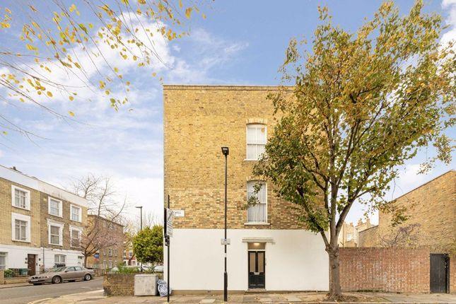 2 bed flat for sale in Cornwallis Road, London N19