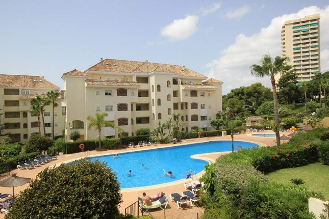 3 bed apartment for sale in Elviria, Malaga, Spain